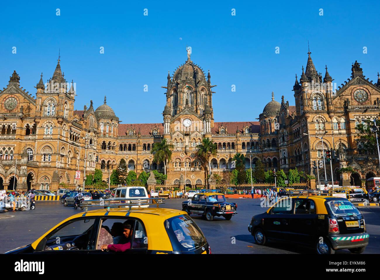 India, Maharashtra, Mumbai (Bombay), Victoria Terminus railways station or  Chhatrapati Shivaji - Stock Image