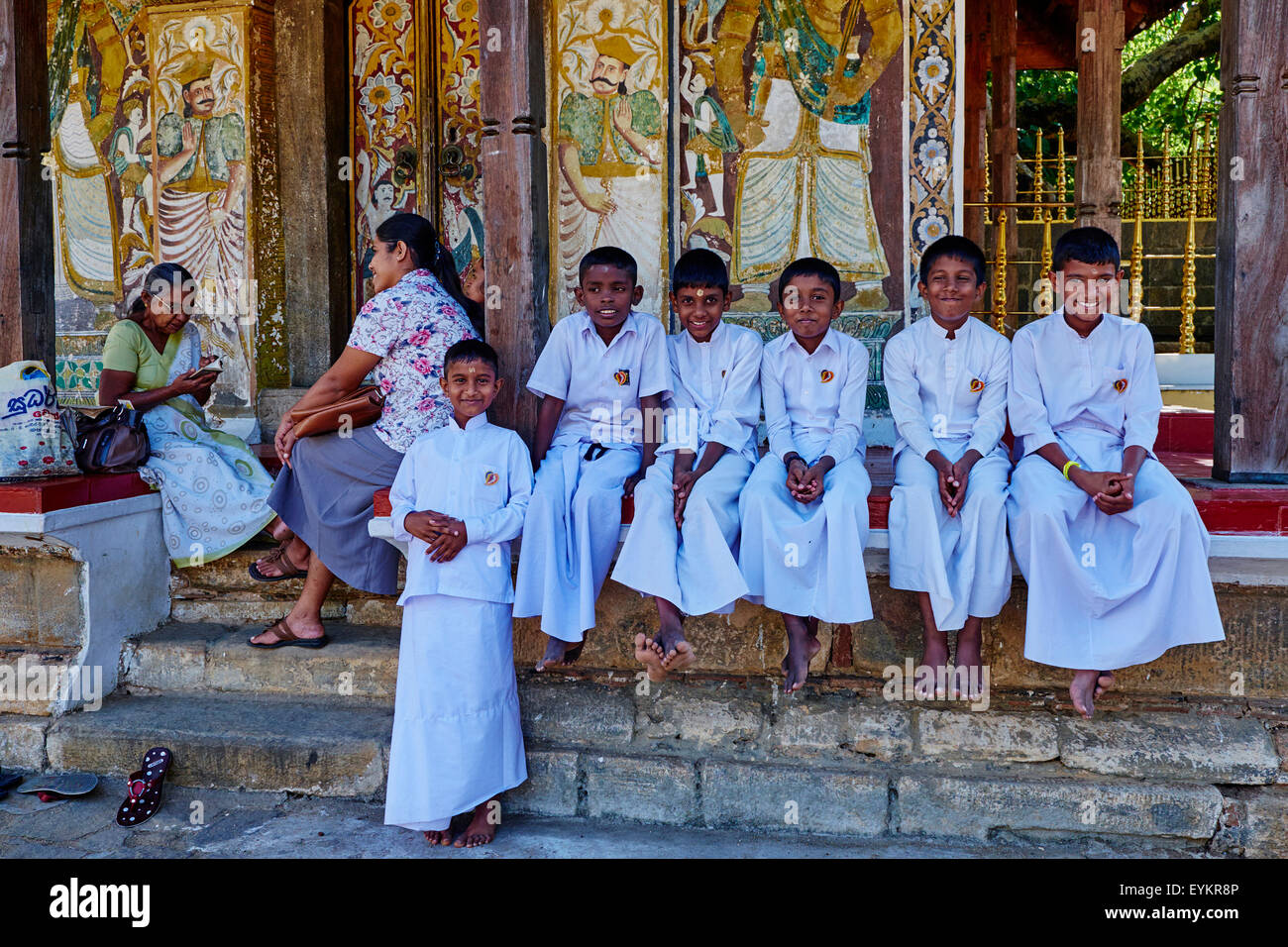 Sri Lanka, Ceylon, North Central Province, Kandy, UNESCO World Heritage city, Tooth's temple, schoolchildren - Stock Image