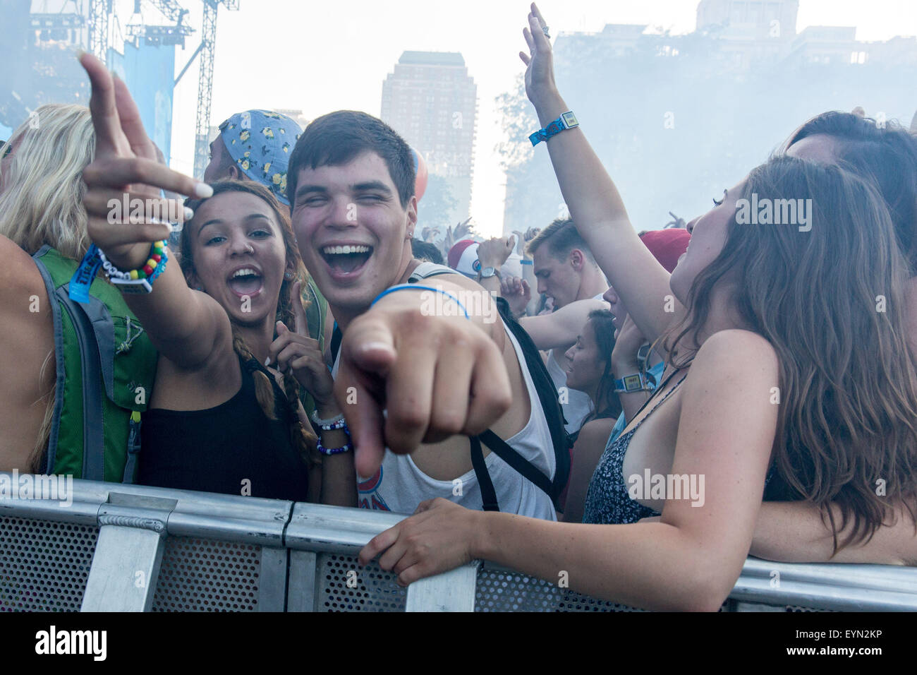 Chicago, Illinois, USA. 31st July, 2015. Fans enjoy an EDM set by DJ Dillon Francis in Grant Park at the Lollapalooza - Stock Image
