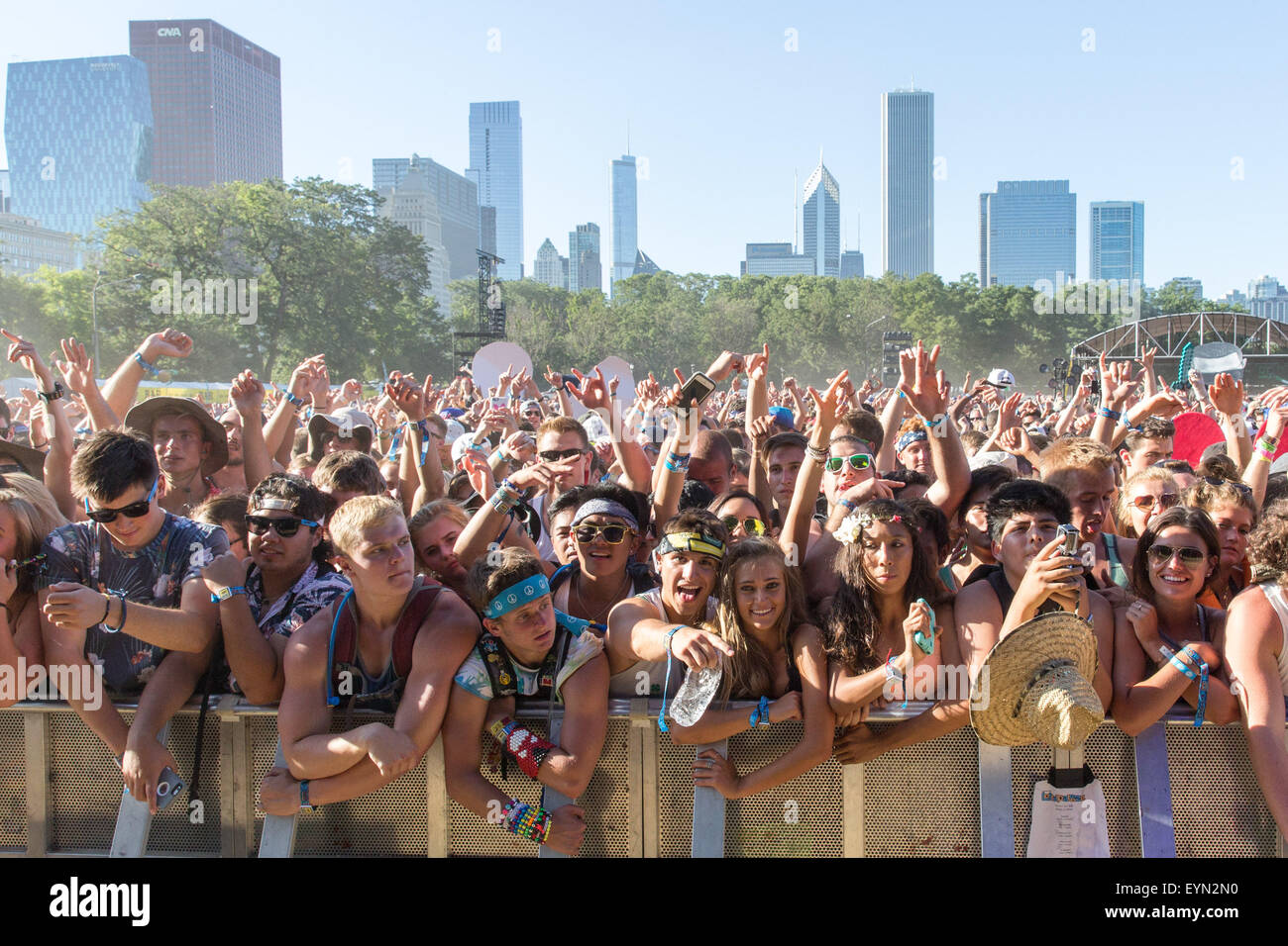 Chicago, Illinois, USA. 31st July, 2015. Fans enjoy a set by DJ Snake in Grant Park at the Lollapalooza Music Festival - Stock Image