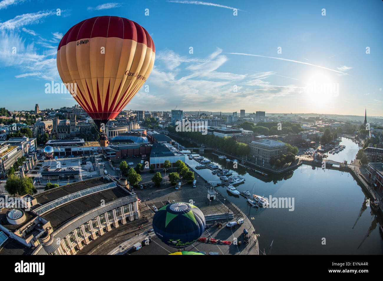 Bristol, UK. 31st July, 2015. Hot air balloons take to the skies over Bristol ahead of the 37th International Balloon Fiesta. Stock Photo