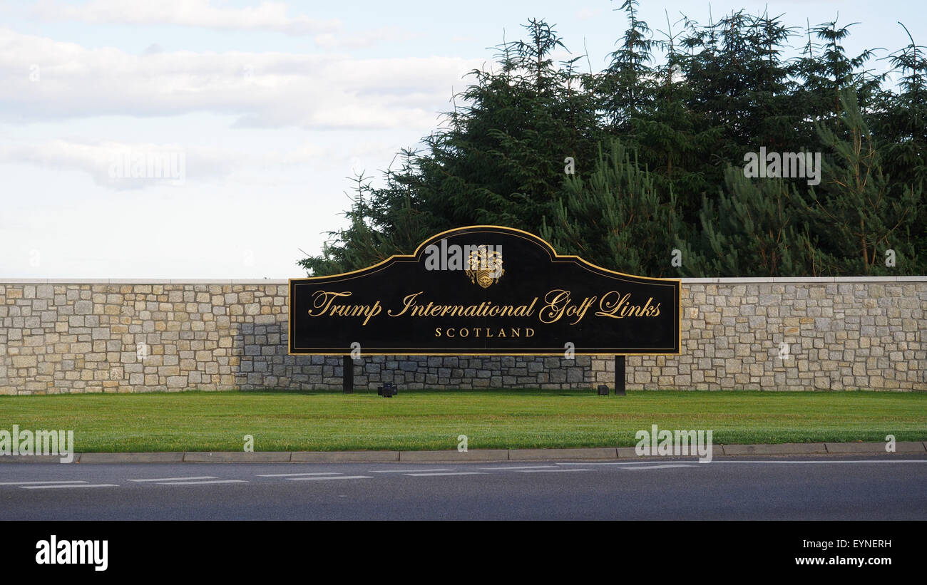 Sign at the entrance to the Trump International Golf Links in Aberdeenshire, Scotland. - Stock Image