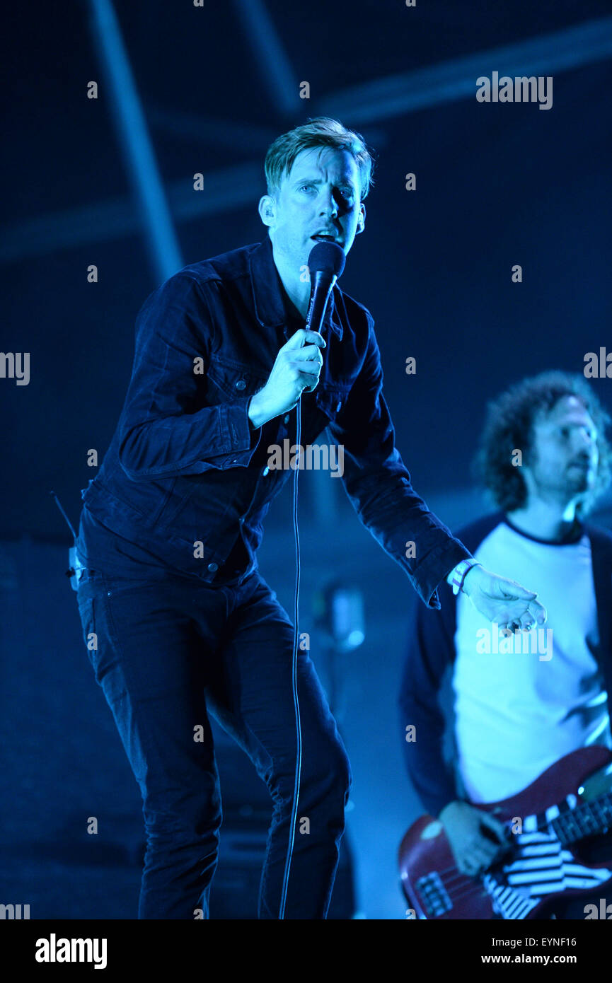 Rock band Kaiser Chiefs, lead singer Ricky Wilson, on stage at Camp Bestival, Lulworth Castle, Dorset, UK. - Stock Image