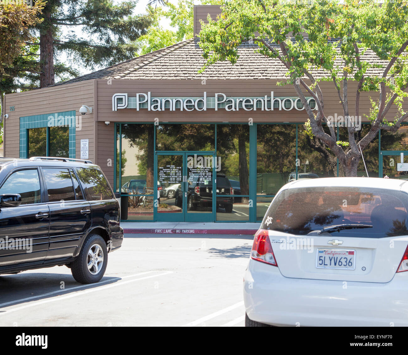 A Planned Parenthood office located in a strip mall in Mountain View, CA. - Stock Image