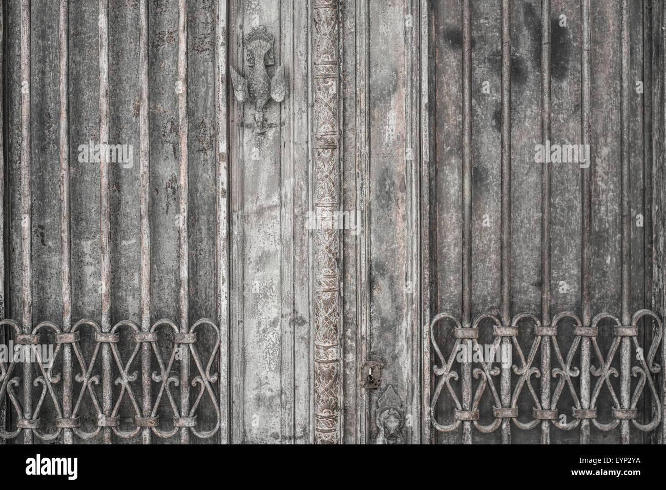 metal door rusty corroded texture background - Stock Image