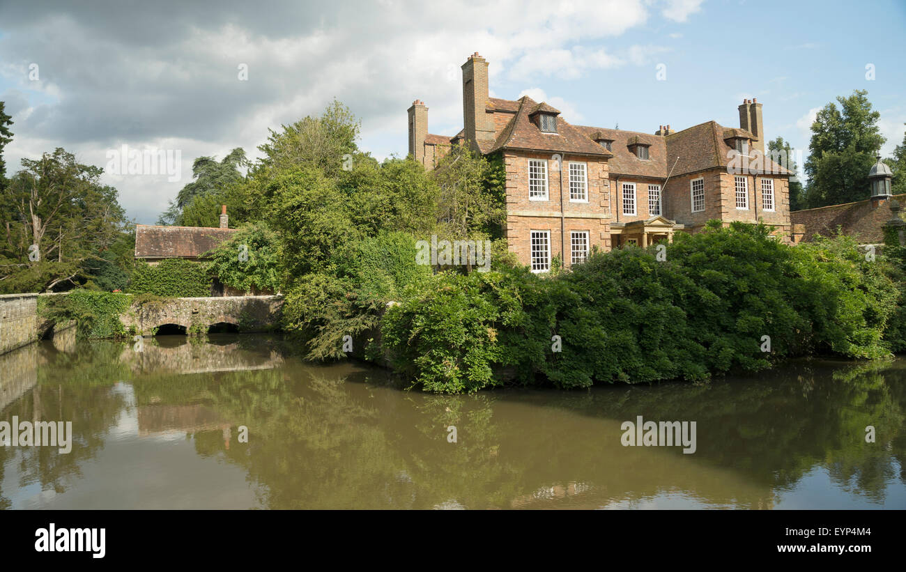 Groombridge Place Moated Manor House, Kent -3 - Stock Image