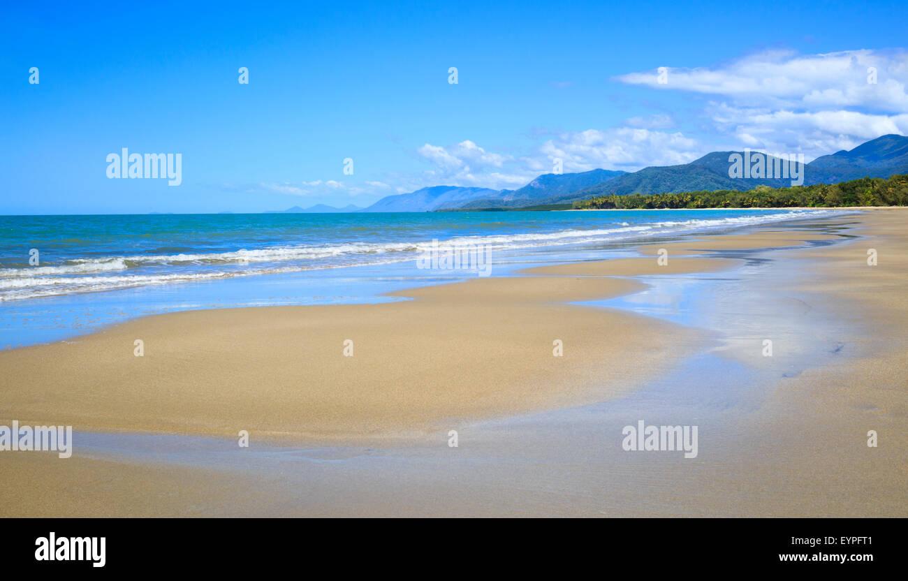 Four Mile Beach in Port Douglas, Queensland, Australia - Stock Image