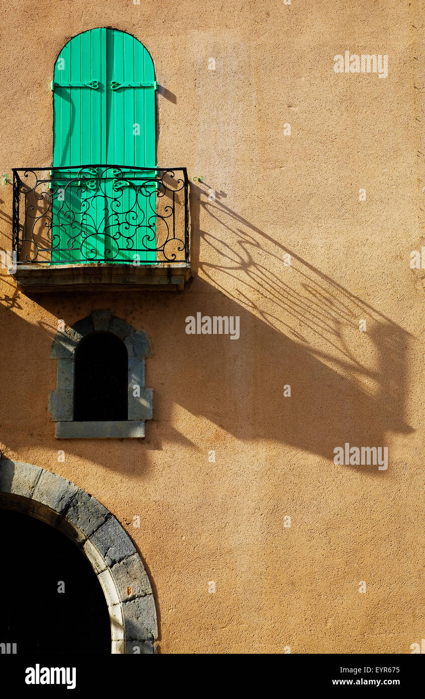 Balcony in a Collioure street, Fishing Village and Artists Colony,  Pyrenees-Orientales, France - Stock Image