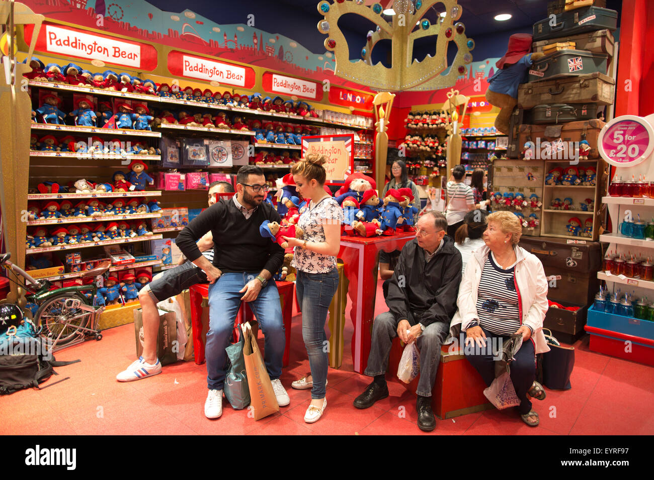 Toys From Hamleys : Hamleys toy shop the oldest in world regent