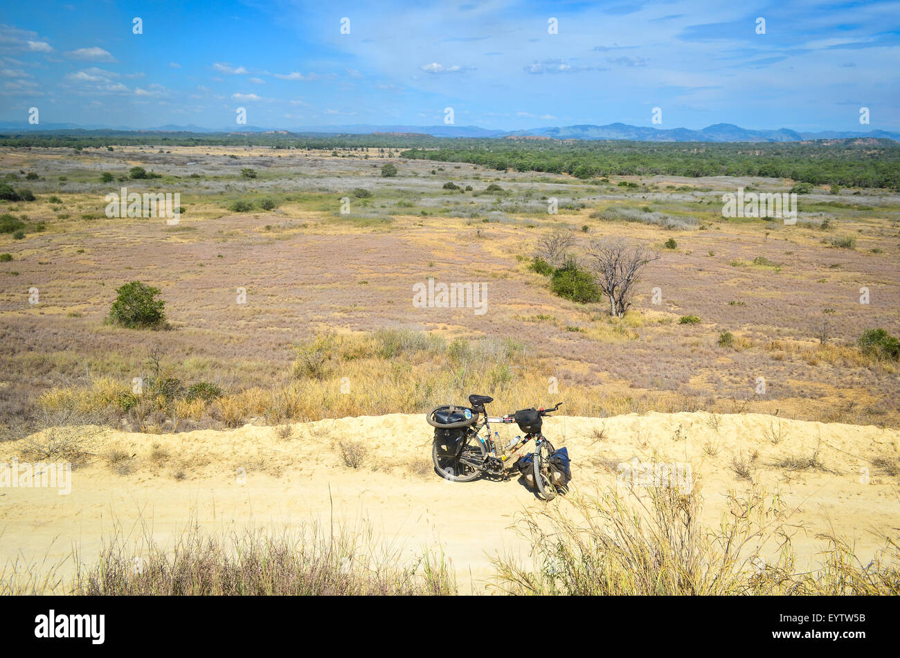 Touring bicycle in Angola - Stock Image