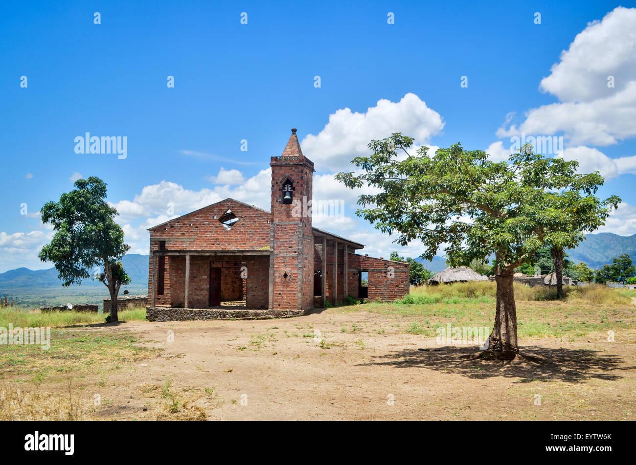 Ruins of a church near Catanda, in rural Angola - Stock Image