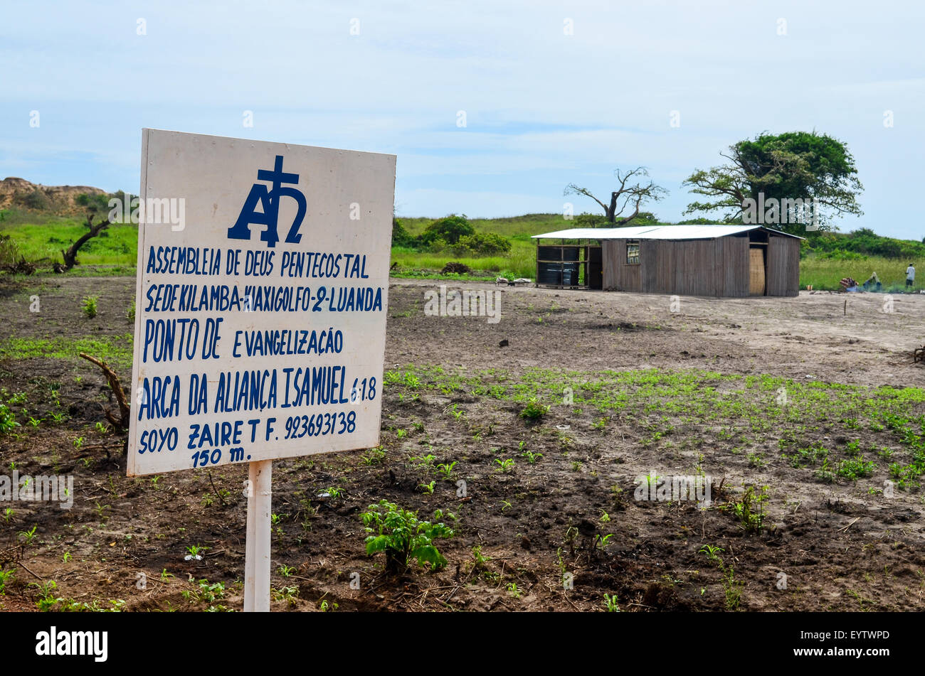 Pentecostal church in rural Angola - Stock Image