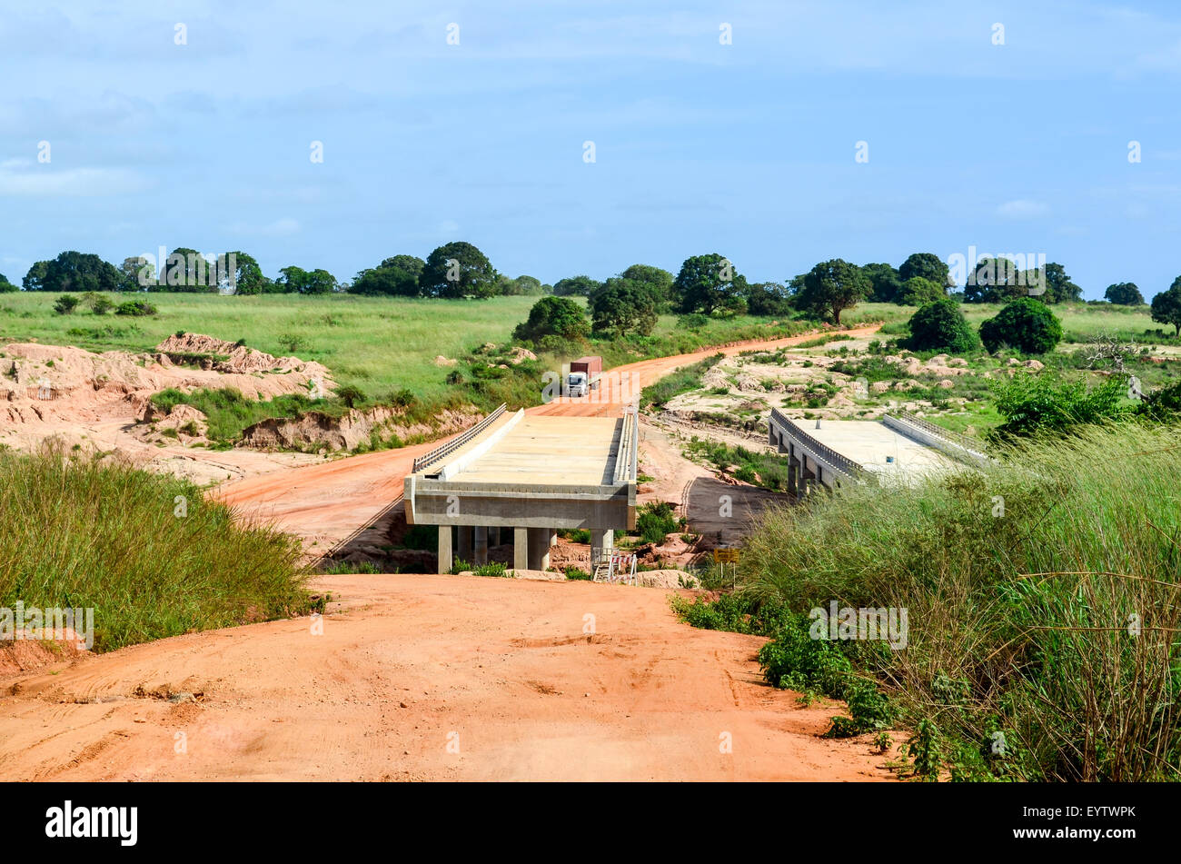 Construction of a bridge on the Soyo - Luanda highway in Angola - Stock Image