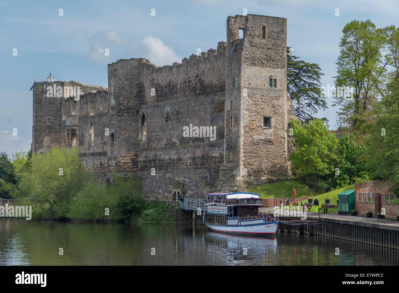 Castle and River Trent, Newark, Nottinghamshire, England, United Kingdom, Europe - Stock Image