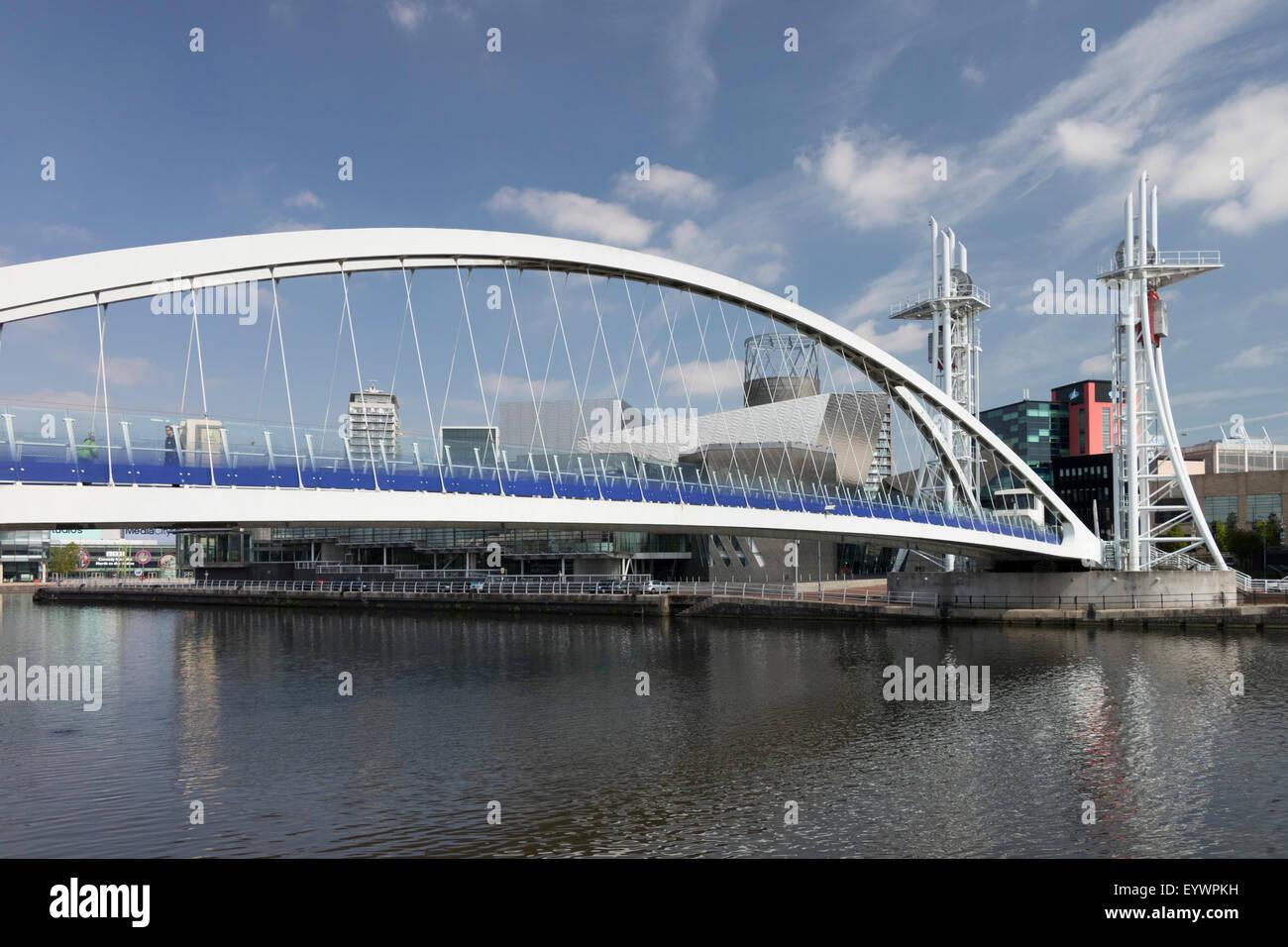 Millennium Lift Bridge, Salford Quays, Manchester, England, United Kingdom, Europe - Stock Image