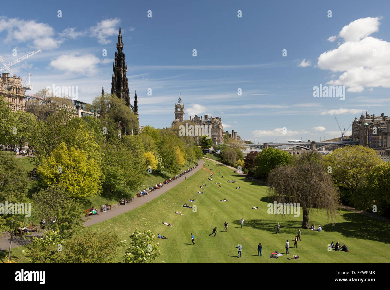 Scott Monument and Princes Street Gardens, Edinburgh, Scotland, United Kingdom, Europe - Stock Image