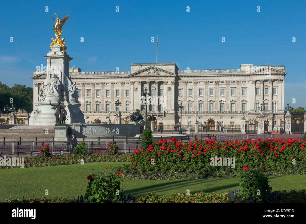 Buckingham Palace and the Queen Victoria Monument, London, England, United Kingdom, Europe - Stock Image
