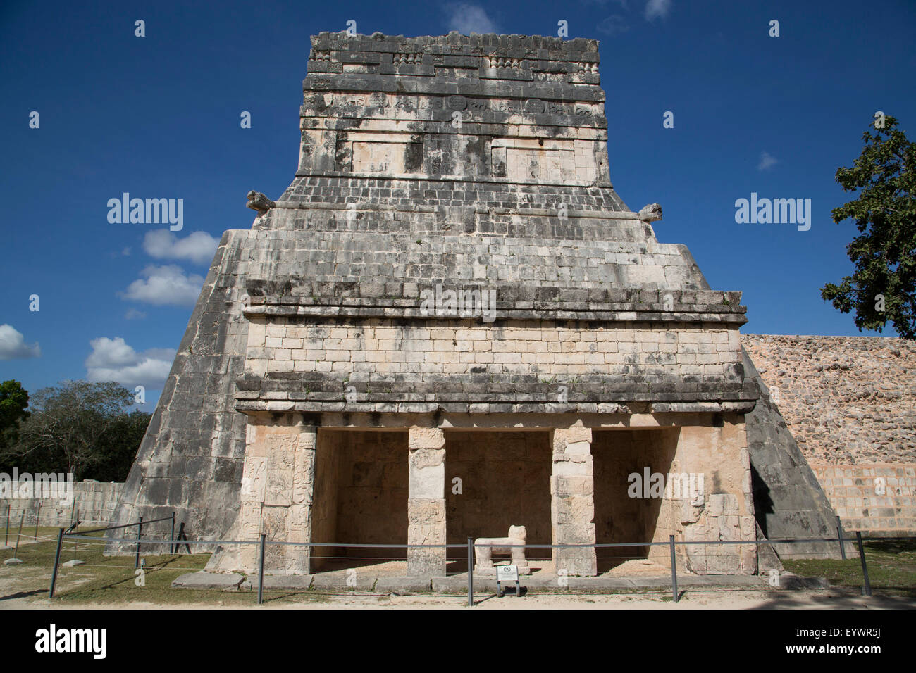 Temple of the Jaguars and Shields, Chichen Itza, UNESCO World Heritage Site, Yucatan, Mexico, North America - Stock Image