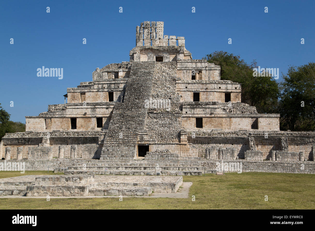 Structure of Five Floors (Pisos), Edzna, Mayan archaeological site, Campeche, Mexico, North America - Stock Image