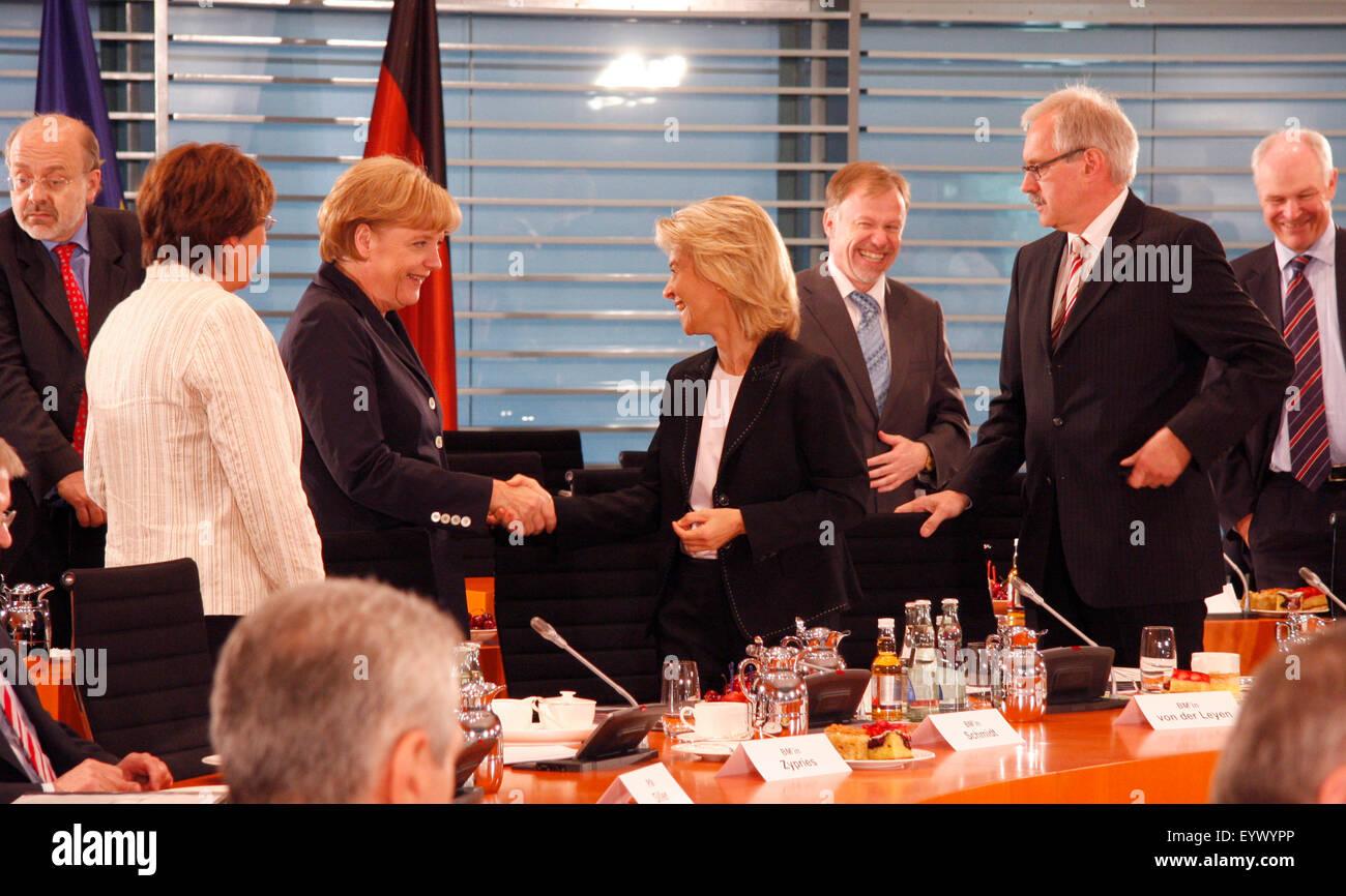 BKin Angela Merkel, Ursula von der Leyen - Treffen der BKin mit den Regierungschefs der Laender, 12. Juni 208, Bundeskanzleramt, - Stock Image