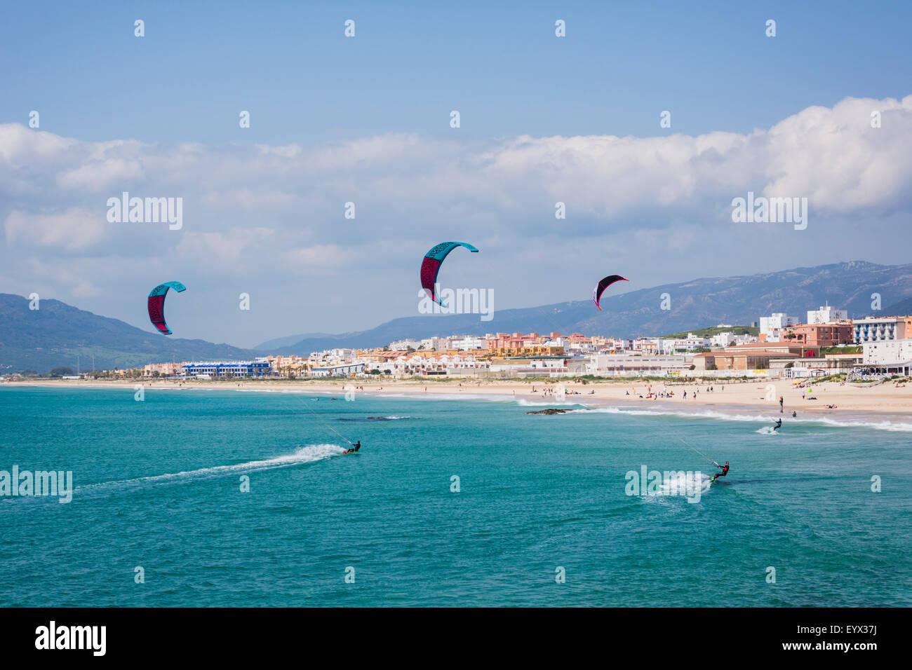 Tarifa, Cadiz Province, Costa de la Luz, Andalusia, southern Spain.  Kitesurfing off Playa de los Lances. Stock Photo