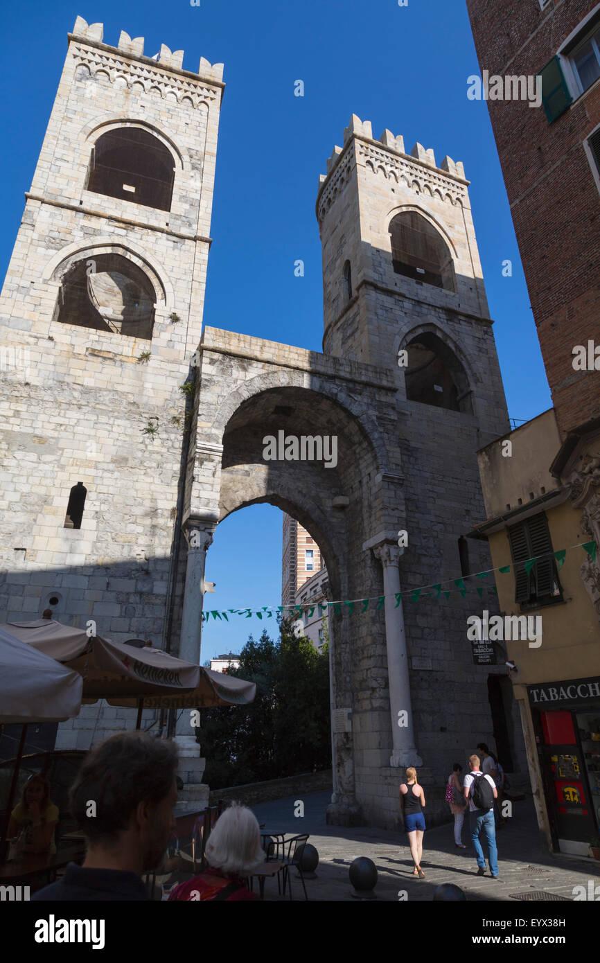 Genoa, Liguria, Italy. Porta Soprana, eastern gateway into the city. - Stock Image