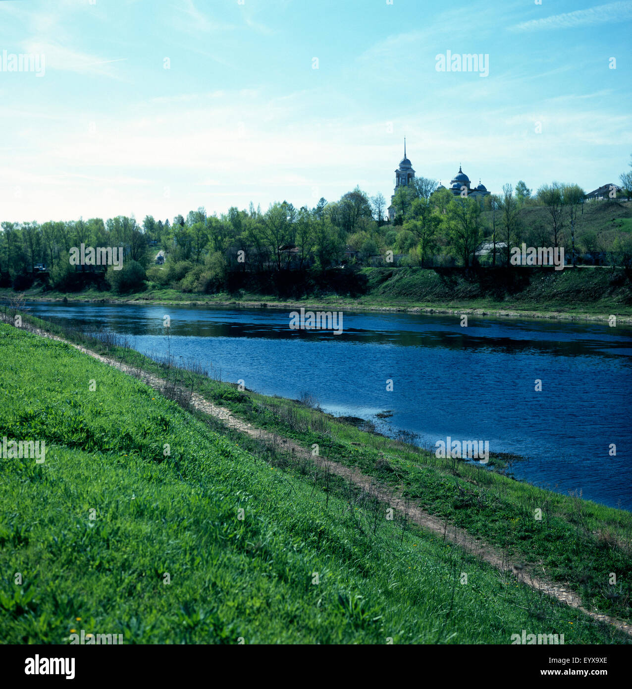 Churches on Volga river bank in Staritsa - Stock Image