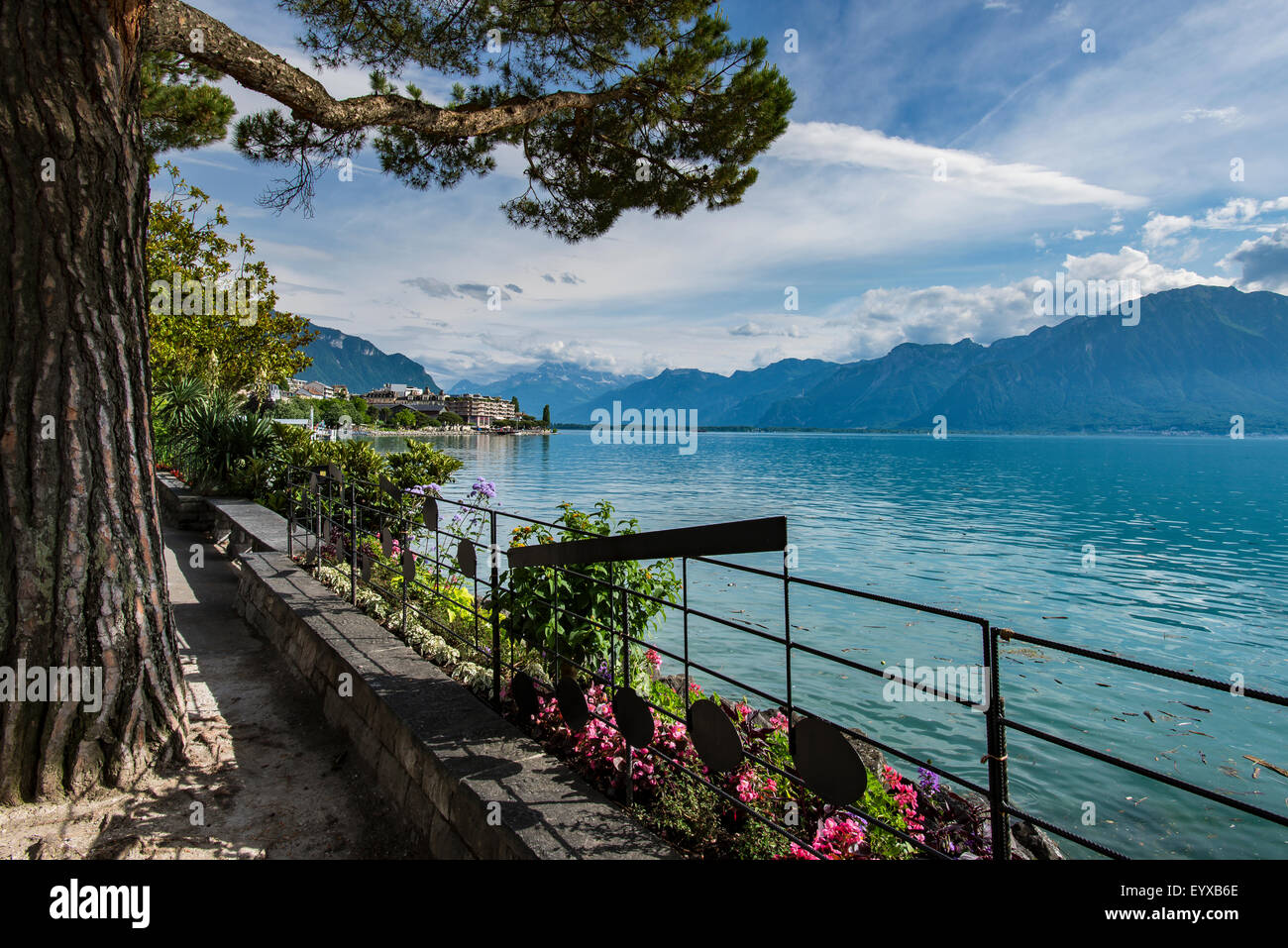 View across Lac Leman from the Montreux boardwalk - Stock Image