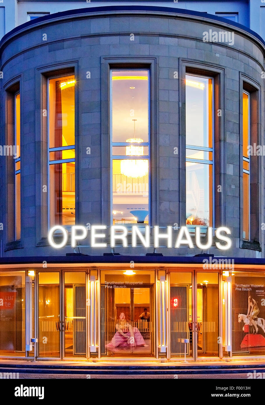 Wuppertal Opera House in Barmen at blue hour, Germany, North Rhine-Westphalia, Bergisches Land, Wuppertal - Stock Image