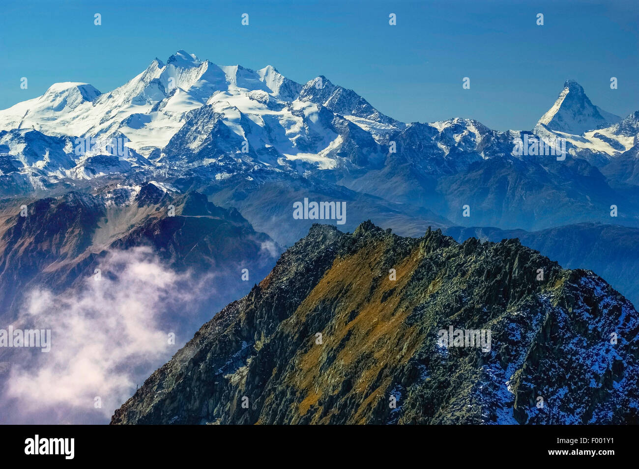 view to Matterhorn and Mischabel group, Monte Rosa in background, Switzerland, Valais, Oberwallis - Stock Image