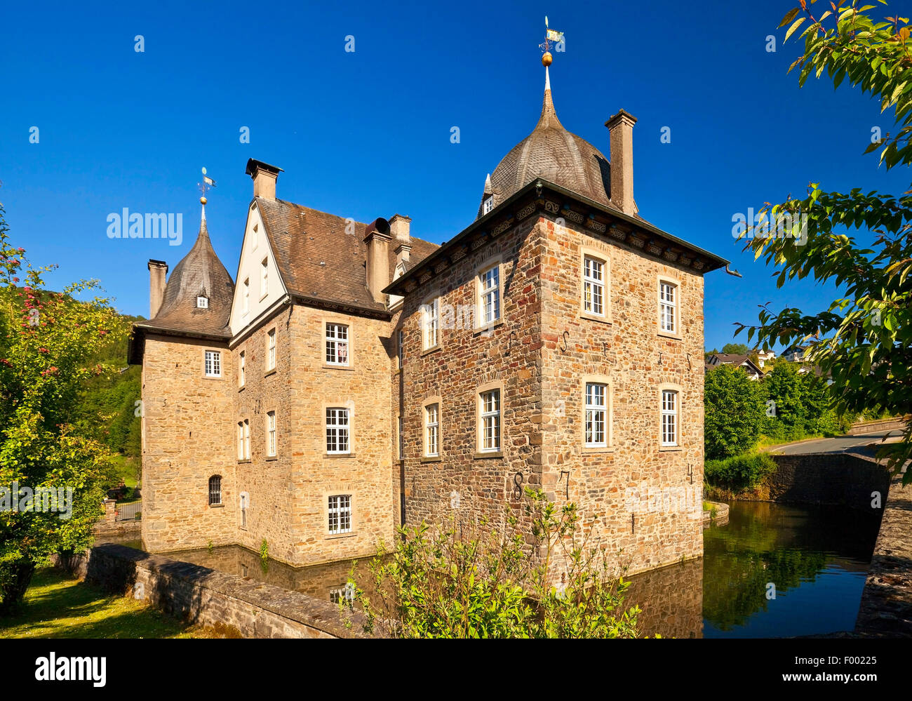 Castle Lenhausen in Finnentrop, Germany, North Rhine-Westphalia, Sauerland, Finnentrop - Stock Image