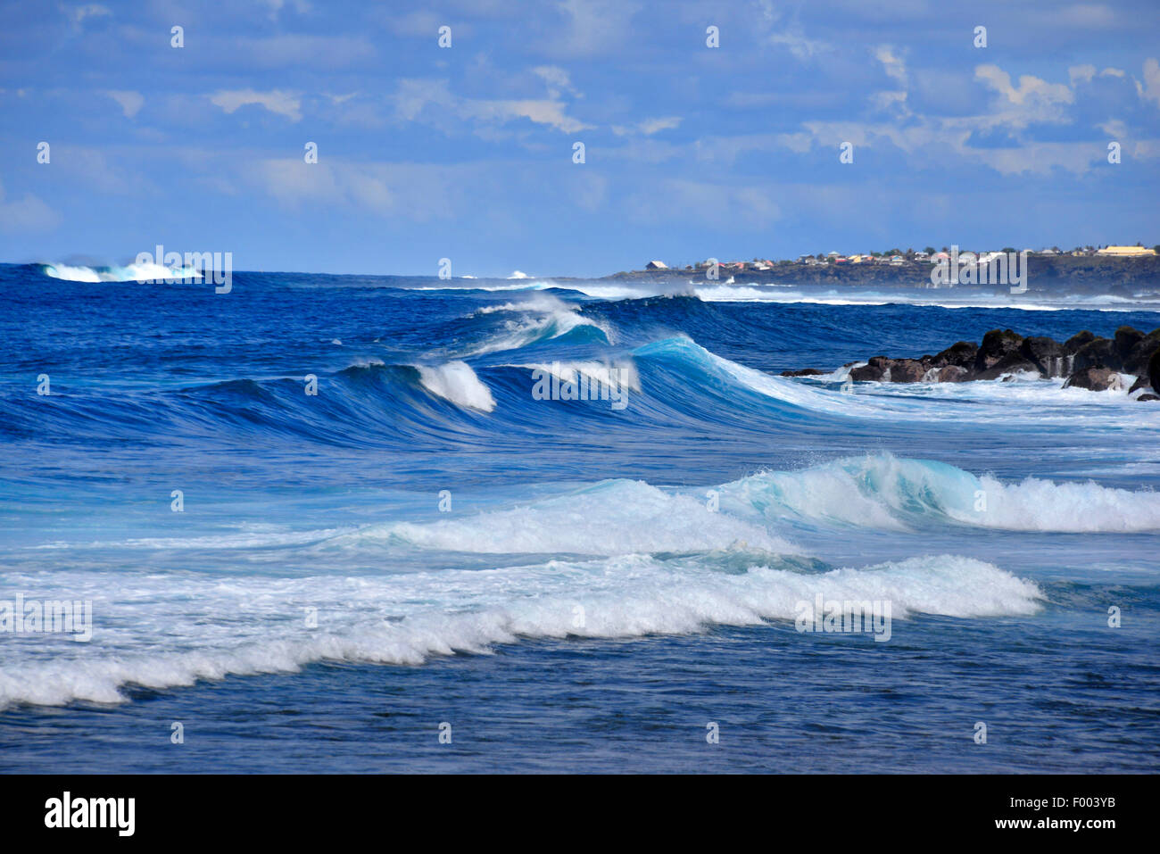 surge at the volcanic rock coast, Reunion - Stock Image