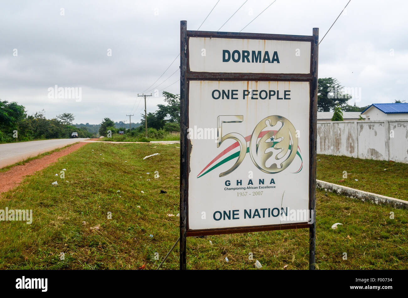 Sign at the entrance of the town of Dormaa, Ghana, reading 'One People, One Nation', for the 50 years of - Stock Image
