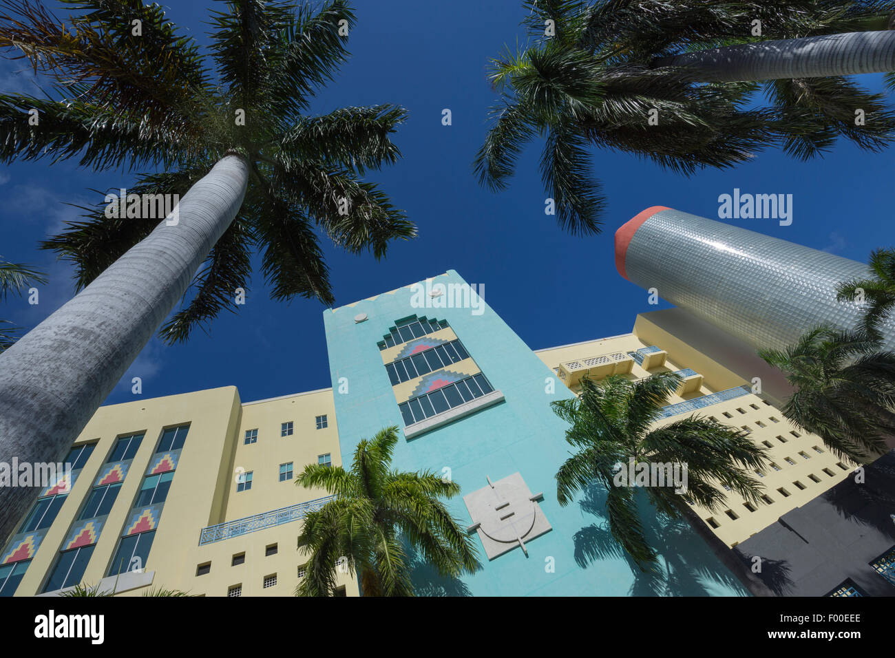 ART DECO STYLE BUILDING WASHINGTON AVENUE SOUTH BEACH MIAMI BEACH FLORIDA USA - Stock Image