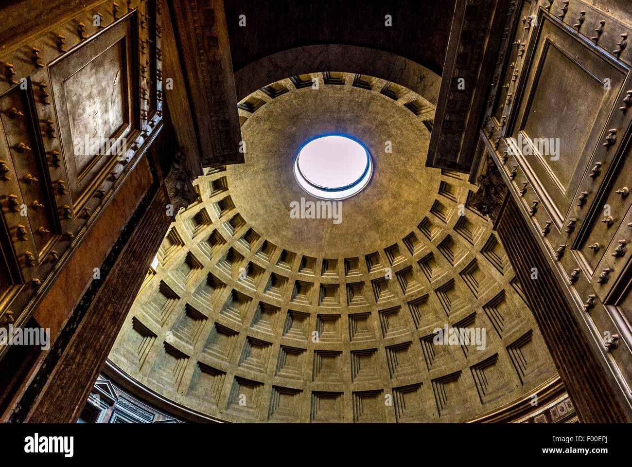 Doors opening into Oculus interior. The Pantheon. Ancient Roman Temple. Now a Christian church. Rome, Italy. - Stock Image
