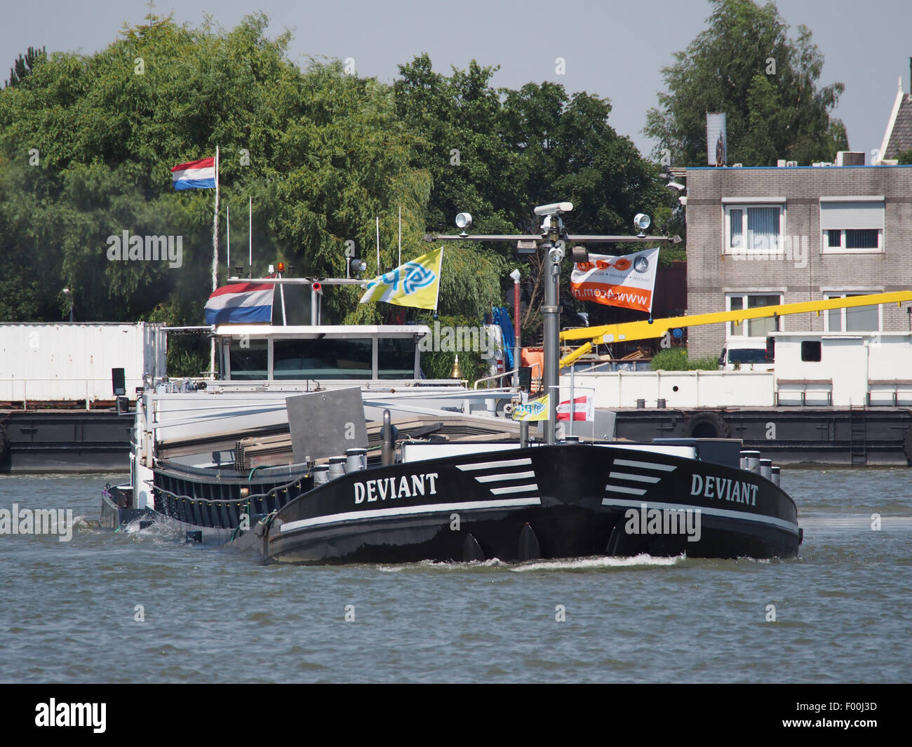 Deviant - ENI 03310475, Noord rivier pic1 - Stock Image