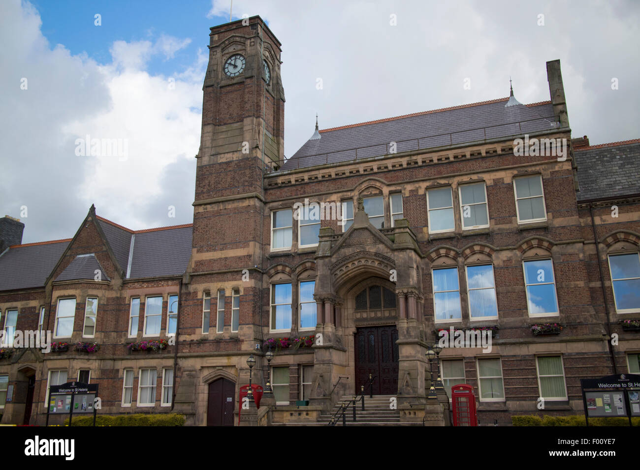 st helens town hall uk - Stock Image