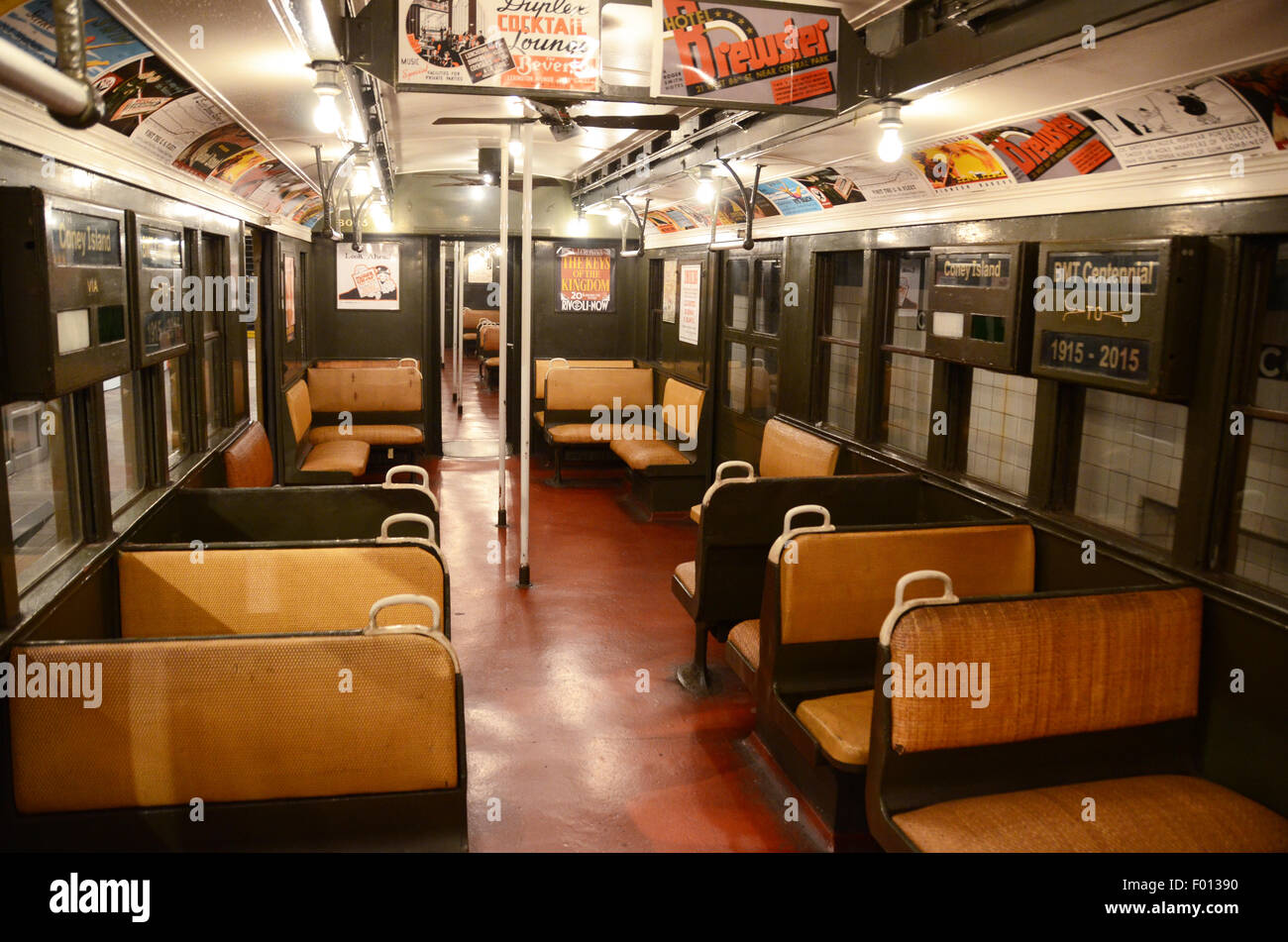 New York Transit Museum 1927 carriage subway - Stock Image