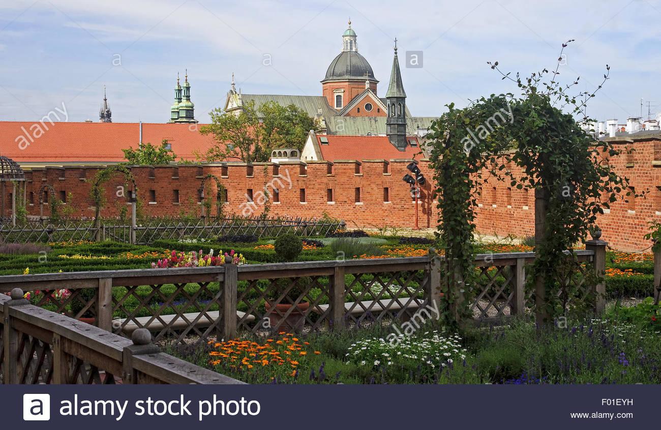 Renaissance garden at the Wawel Castle in Krakow, Poland - Stock Image