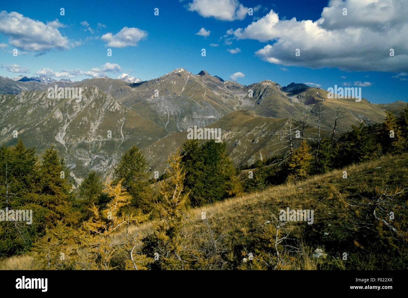 Landscape towards Pointe du Diable, Mercantour National Park (Parc National du Mercantour), France. - Stock Image