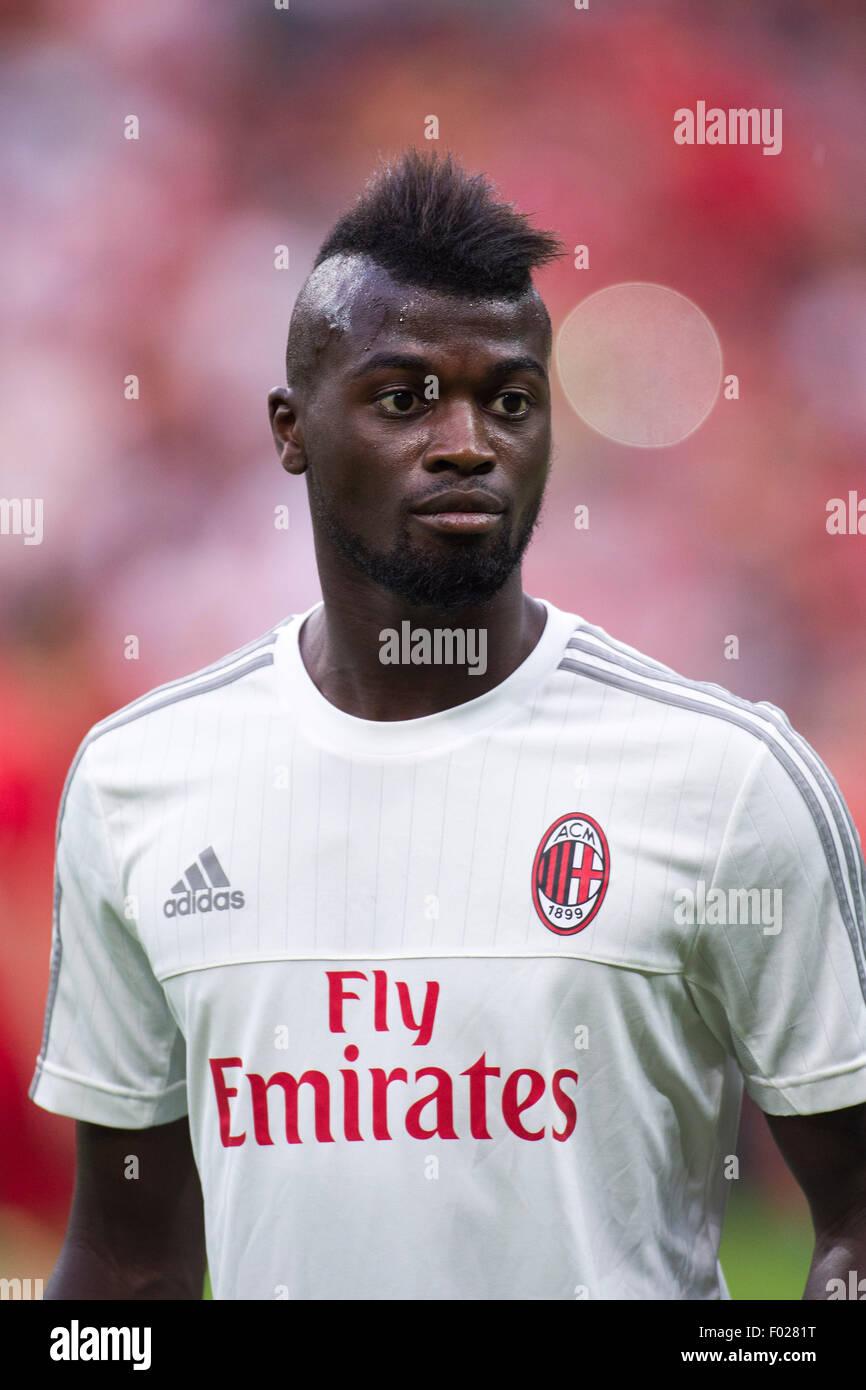 Top Mbaye Niang - mbaye-niang-milan-august-4-2015-football-soccer-audi-cup-2015-match-F0281T  2018-584318.jpg