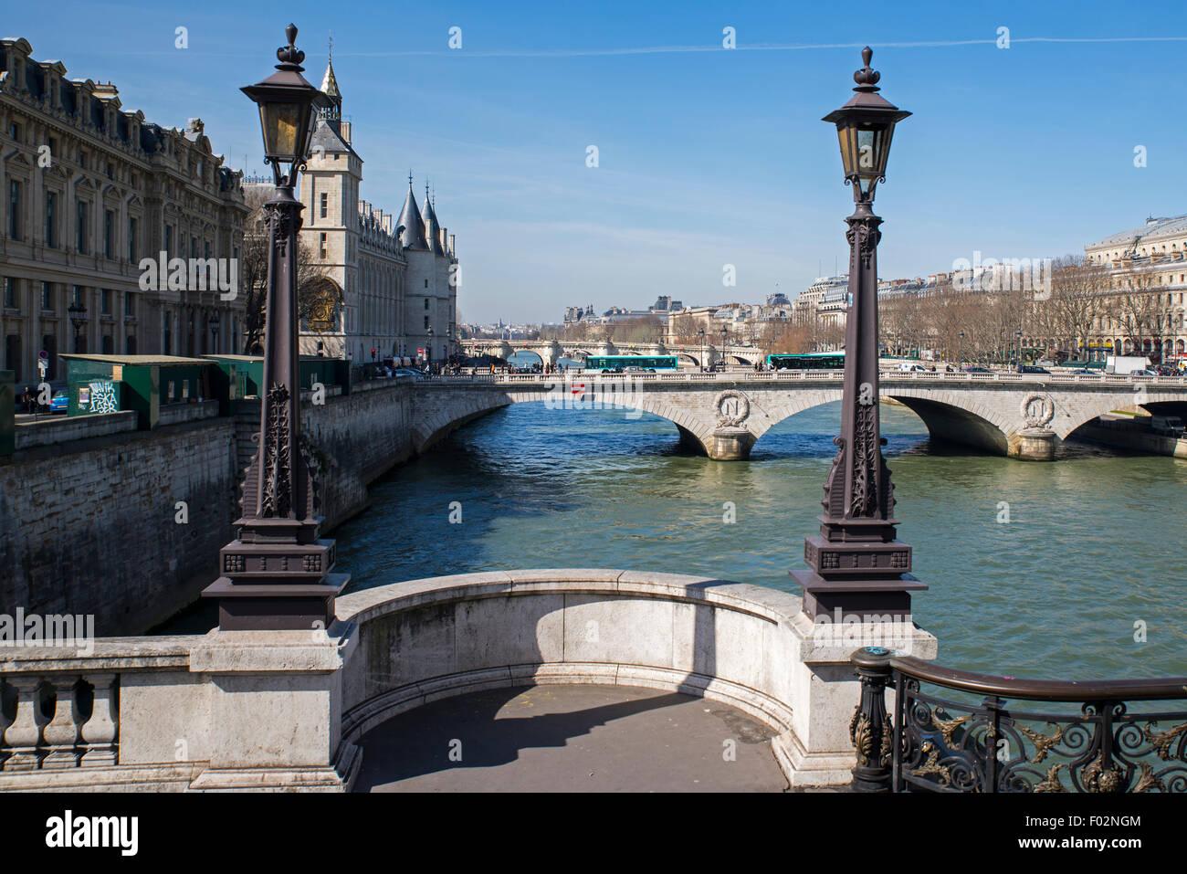 Pont Neuf bridge looking toward Pont au Change, Paris - Stock Image