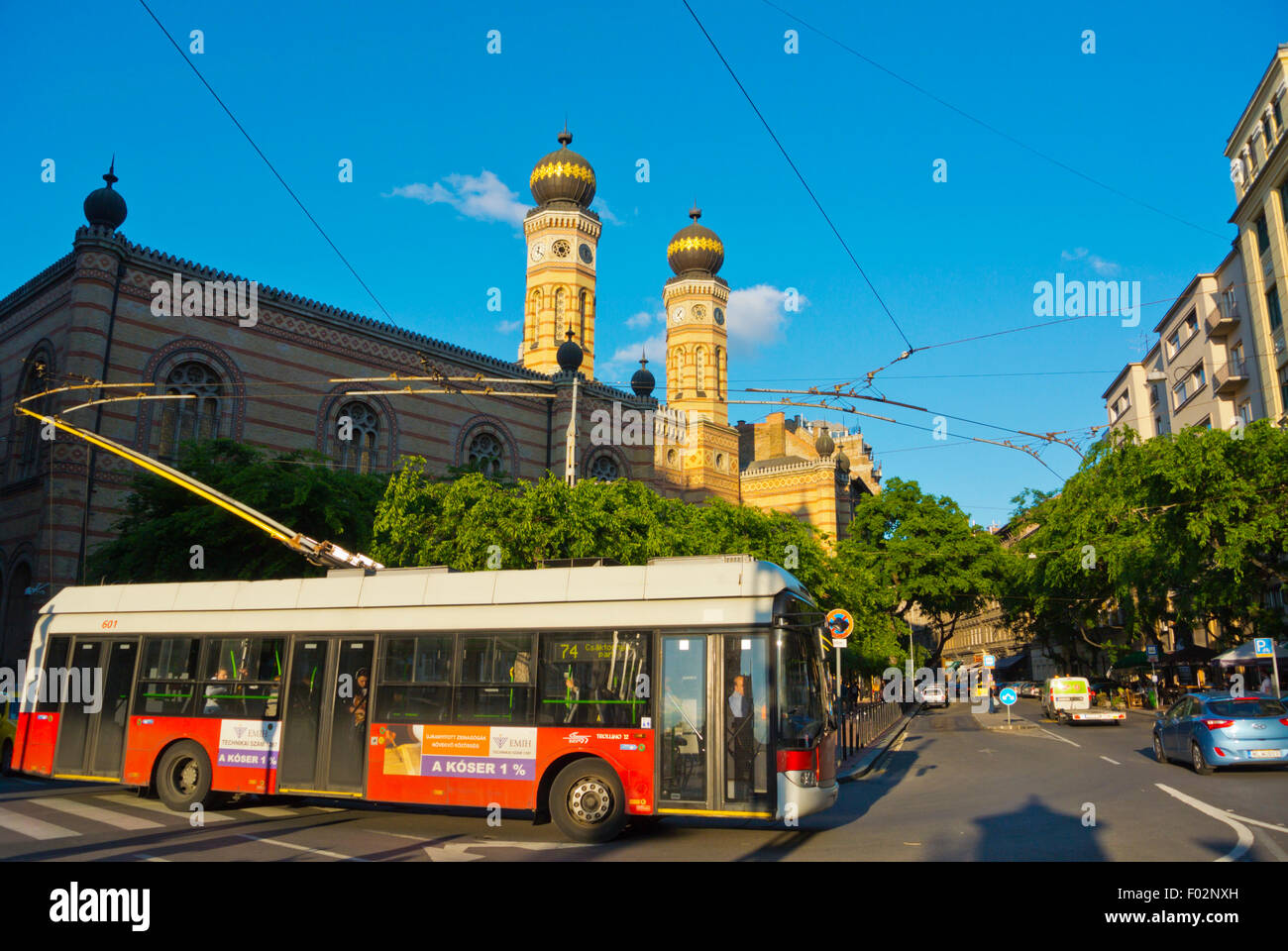 Trolley bus 74, Dohany utca, Jewish quarter, central Budapest, Hungary, Europe - Stock Image