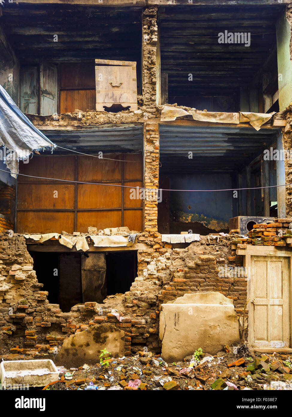 Kathmandu, Nepal. 6th Aug, 2015. The exterior wall of this home in the Thamel section of Kathmandu collapsed in - Stock Image