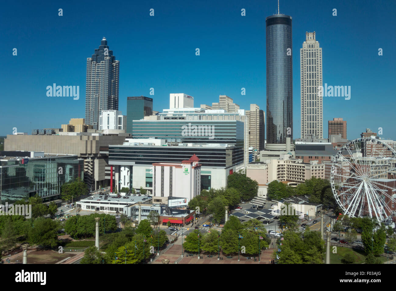 SKYVIEW FERRIS WHEEL CENTENNIAL OLYMPIC PARK DOWNTOWN SKYLINE ATLANTA GEORGIA USA - Stock Image