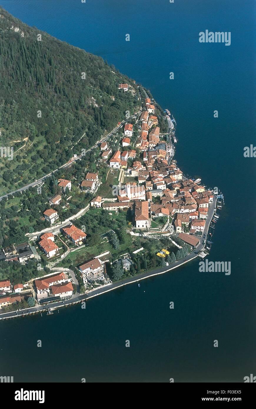 Aerial view of Peschiera Maraglio, Monte Isola, on Lake Iseo or Sebino - Province of Brescia, Lombardy Region, Italy - Stock Image