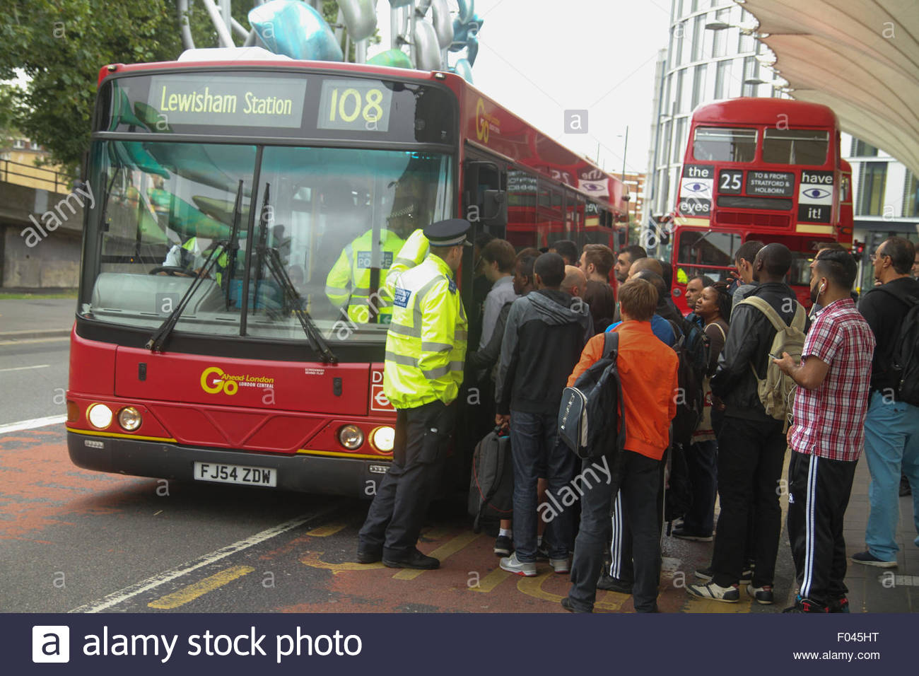 London, UK. 6th Aug, 2015.  Extra buses for commuters An extra 250 buses, including the older routemaster models, - Stock Image
