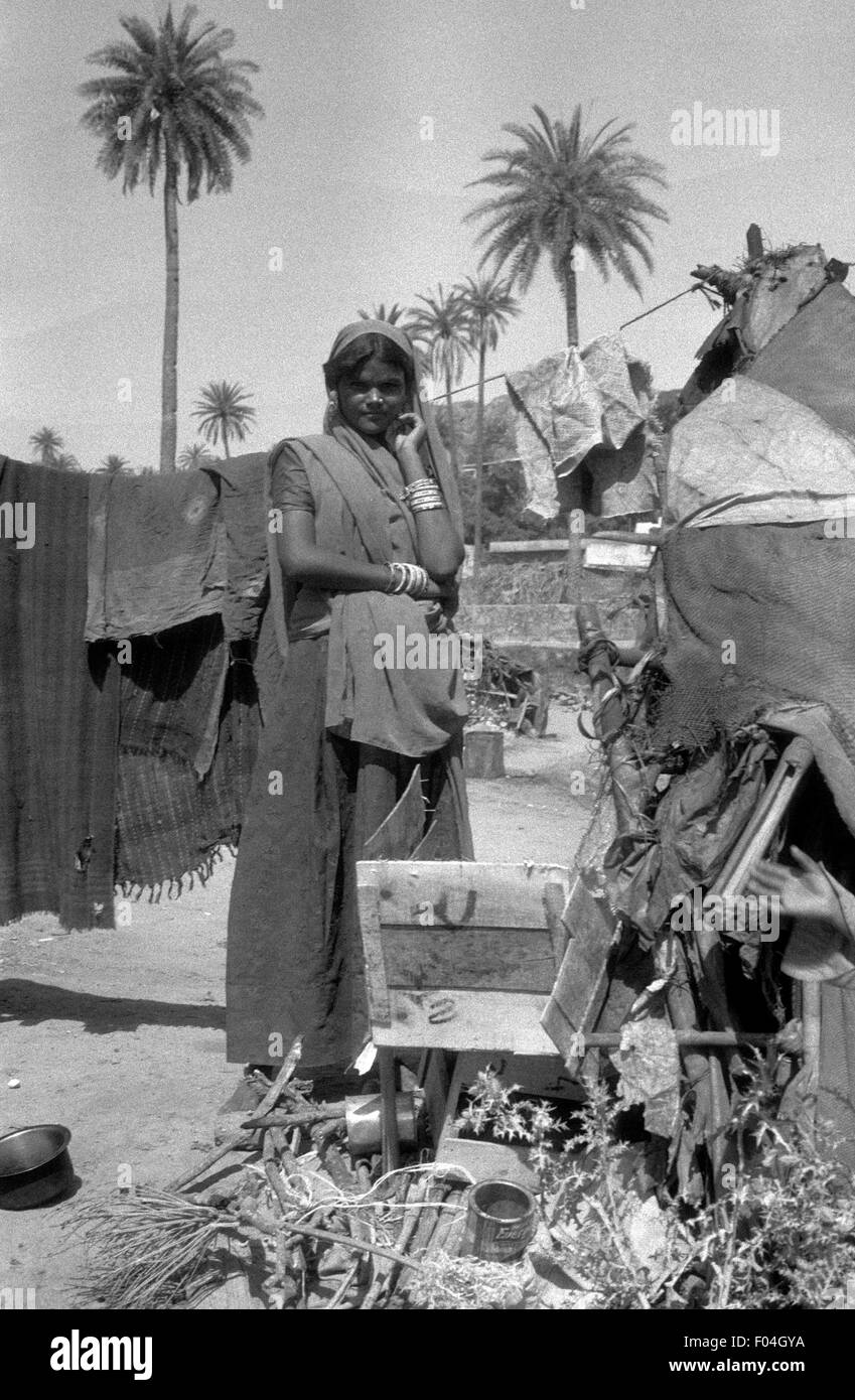 indian woman dalit at her camp brian mcguire - Stock Image