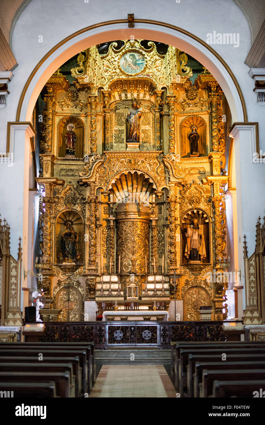 PANAMA CITY, Panama--The massive gold altar of Iglesia San Jose. It survived the pirate Henry Morgan's sacking of Stock Photo