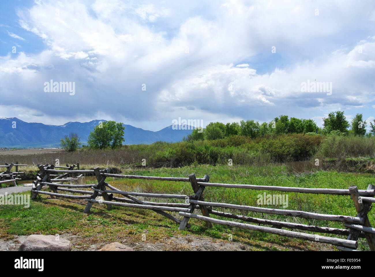 country ranch scene with mountain backdrop stock photo 86168800 alamy